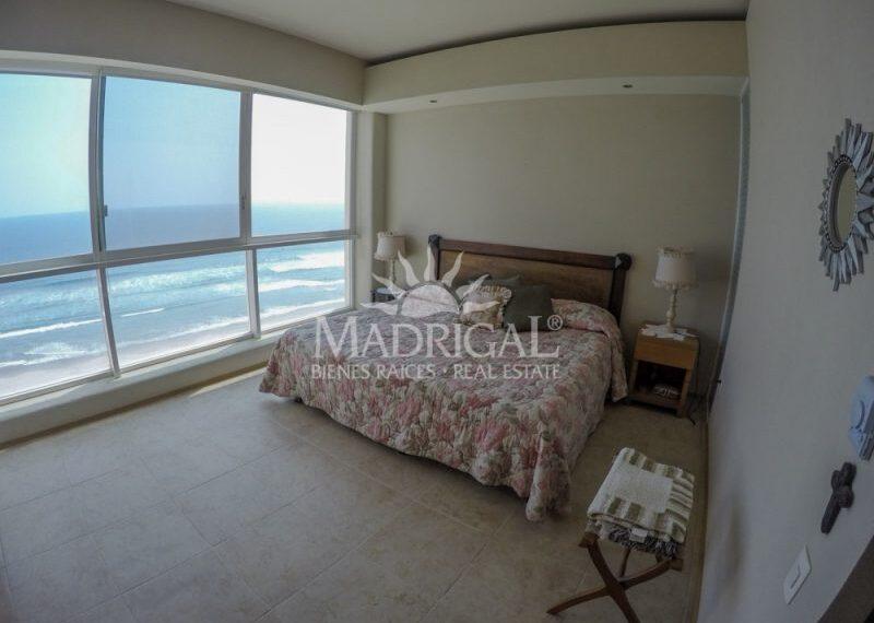 Departamento_Renta_Acapulco_Condominio_Galapagos_Costera_Las_Palmas_Playa_Diamante_01-1-800x600